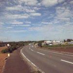 開放感のある道路。どこでしょう?
