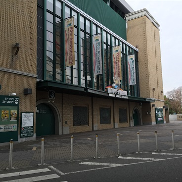 甲子園球場の入り口