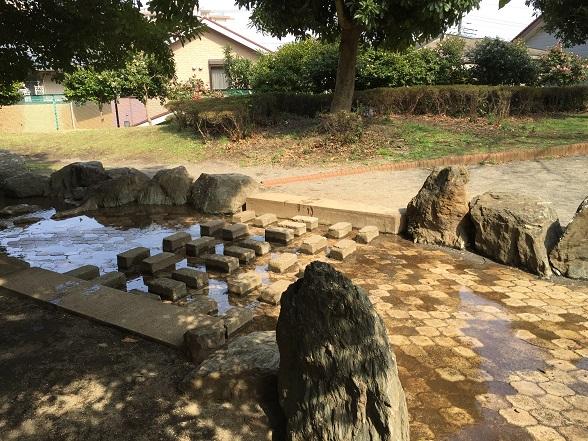 小川と飛び石