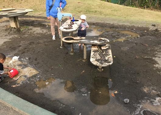 中井中央公園:泥んこ砂場