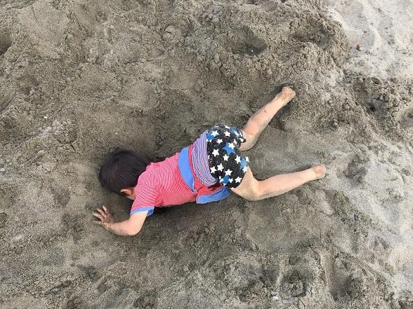 穴を掘る太郎