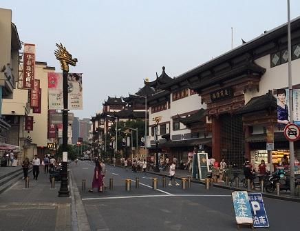 豫園の商店街1