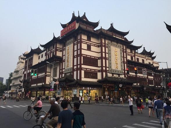 豫園の商店街3