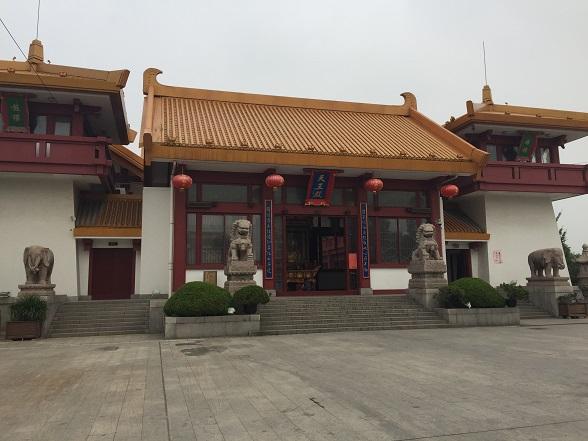 七宝寺の中