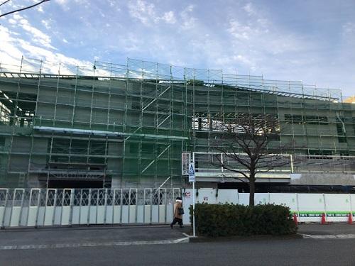 建設中の建物1