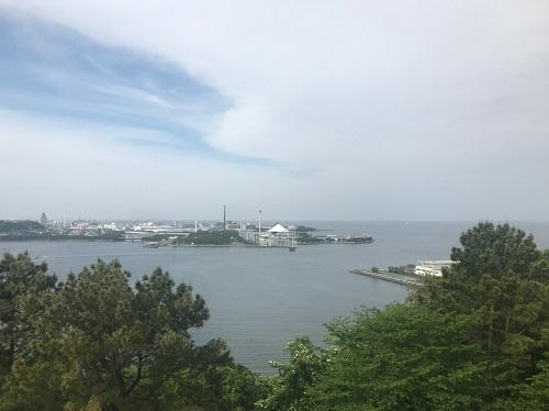 展望台から八景島方面を望む